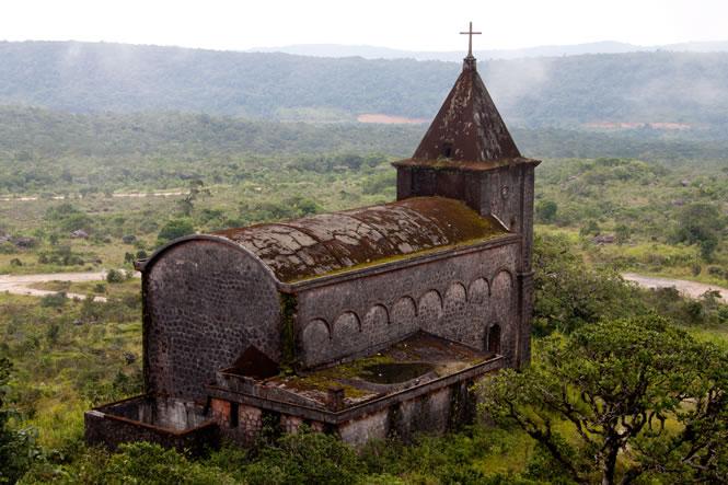 Bokor Church in daytime