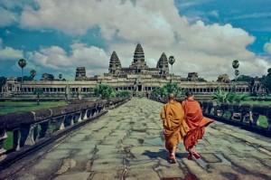 Main road to Angkor Wat
