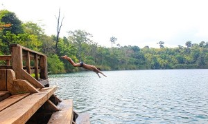 Surrounding the lakeside stands numerous small docks where you can jump off into water for a swim