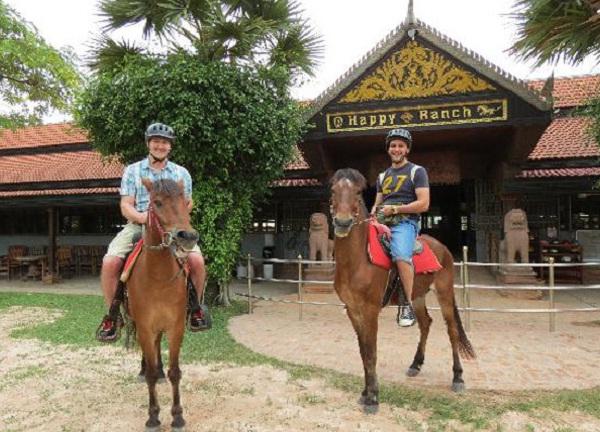 Happy Ranch Horse Farm