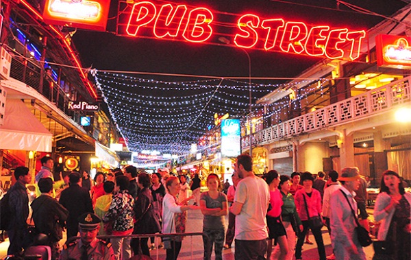Exploring Pub Street is one of the must-do things in Siem Reap