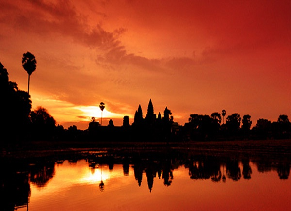 Watch sunset in the countryside is one of the best things to do in Siem Reap