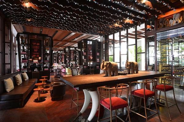 The living room bar in Park Hyatt