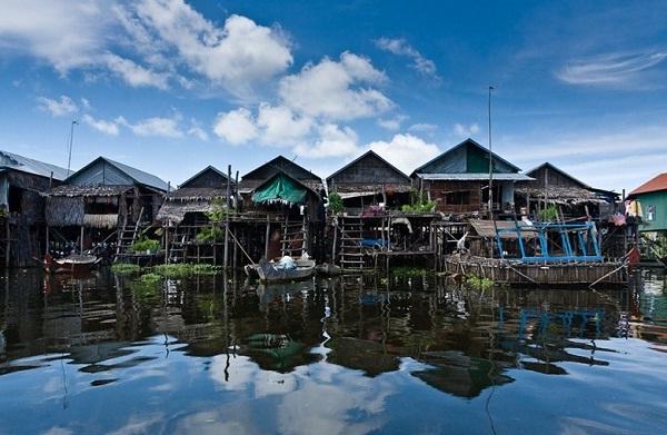 Kampong Pluck floating village