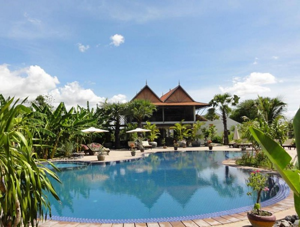 Battambang Resort, the Cambodia cheap hotel with peaceful views to relax