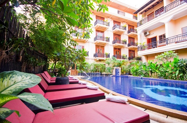 Rithy Rine Angkor Hotel includes a large outside pool