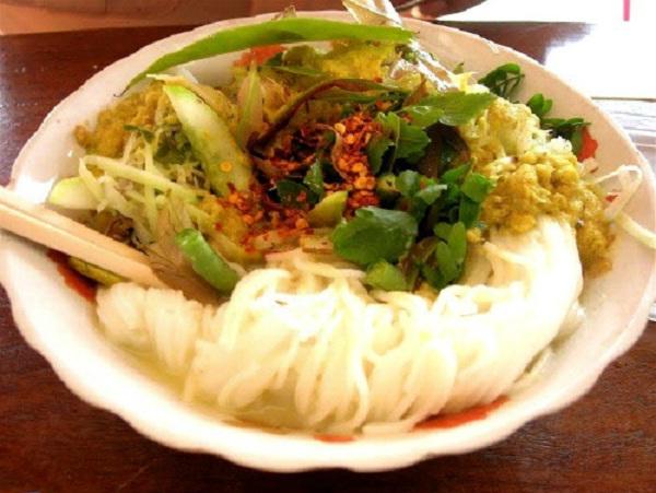 Nom Banh chok curry noodle