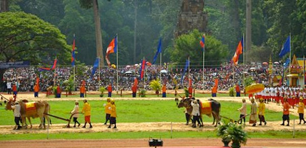Pithi Chrat Preah Neanng Korl holiday