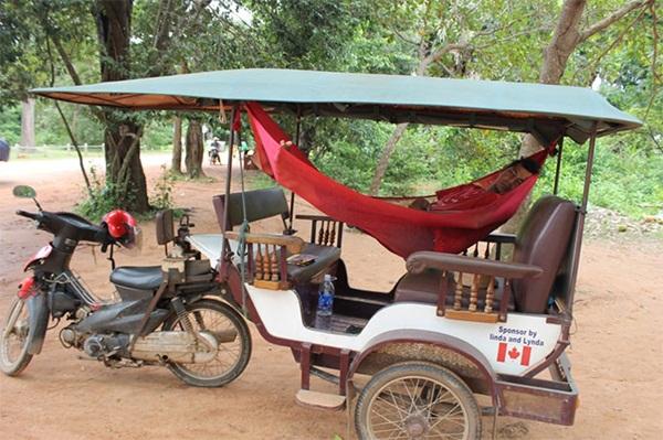 Tuk tuk drivers drive a much harder bargain in the high tourist season