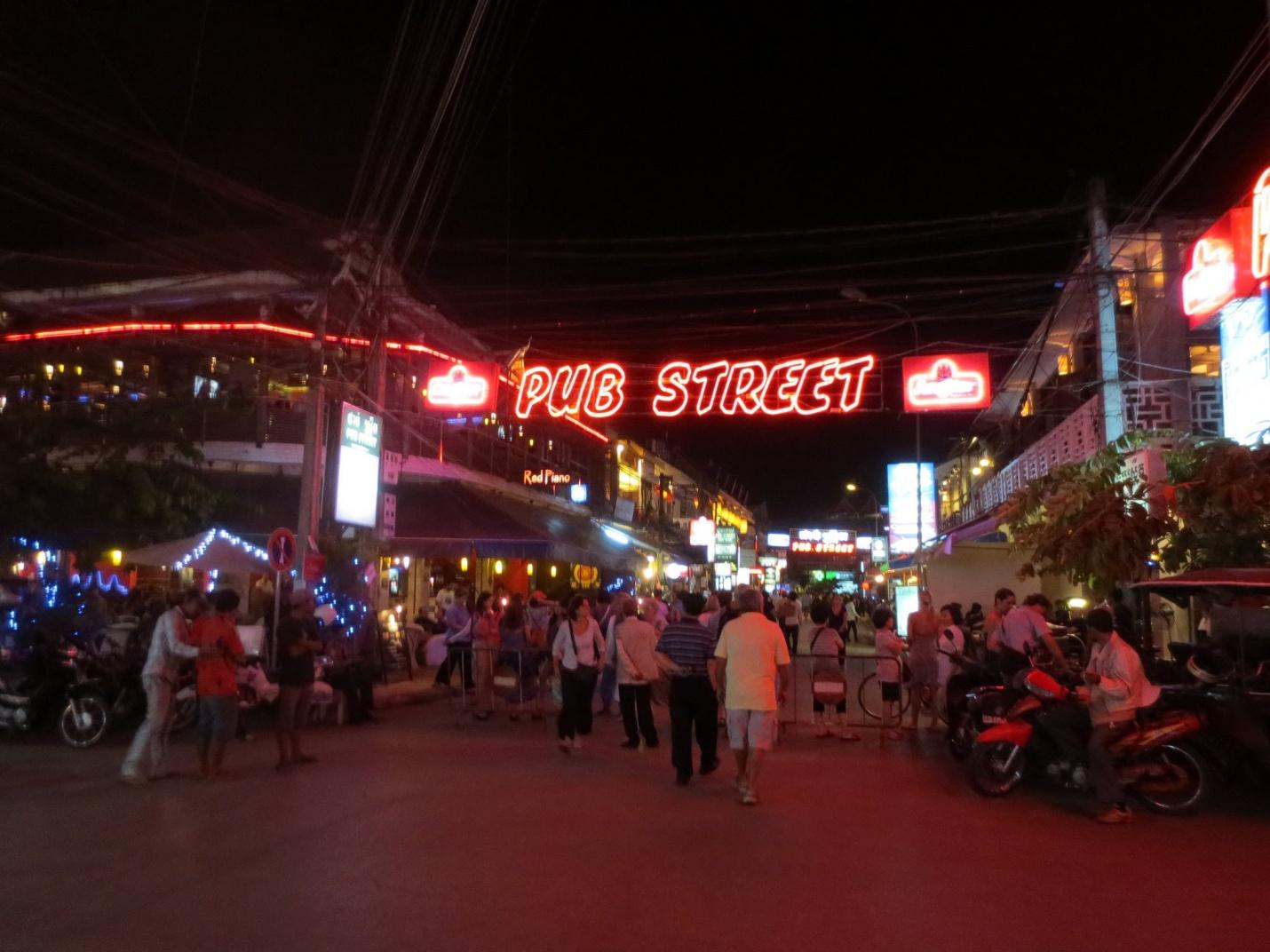 Pub Street – the site that you cannot miss when travelling to Siem Reap