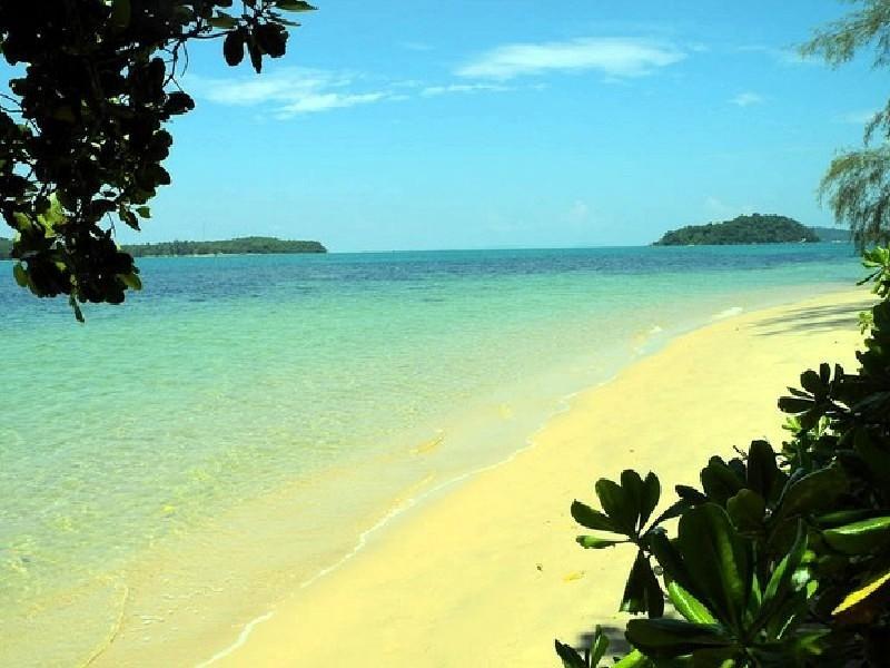 A calming beach in Sihanoukville