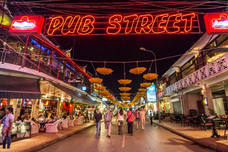 A corner of Pub Street in Siem Reap at night