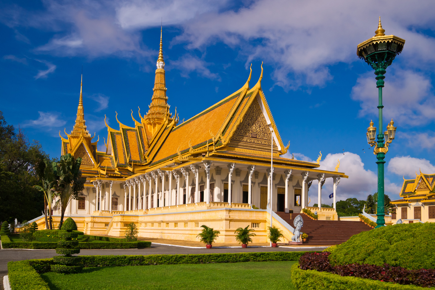 Contemplate the beauty of Royal Palace in Phnom Penh, Cambodia