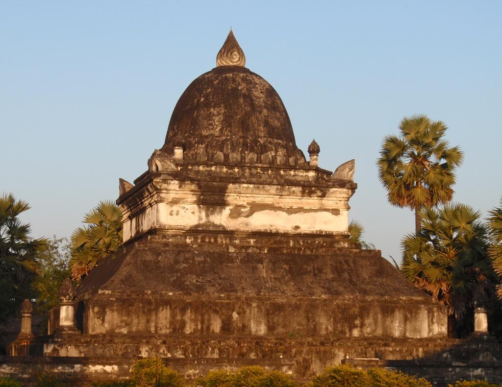 That Pathum stupa in the sunset