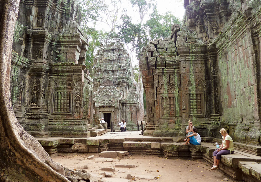 Travelling to Siem Reap, Angkor temples are always things that we think of at first