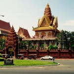 Wat Ounalom - the headquarters of Cambodian Buddhism