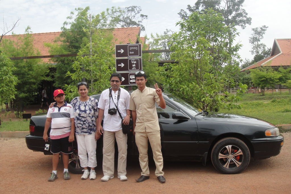 Air-conditioned car to the Angkor