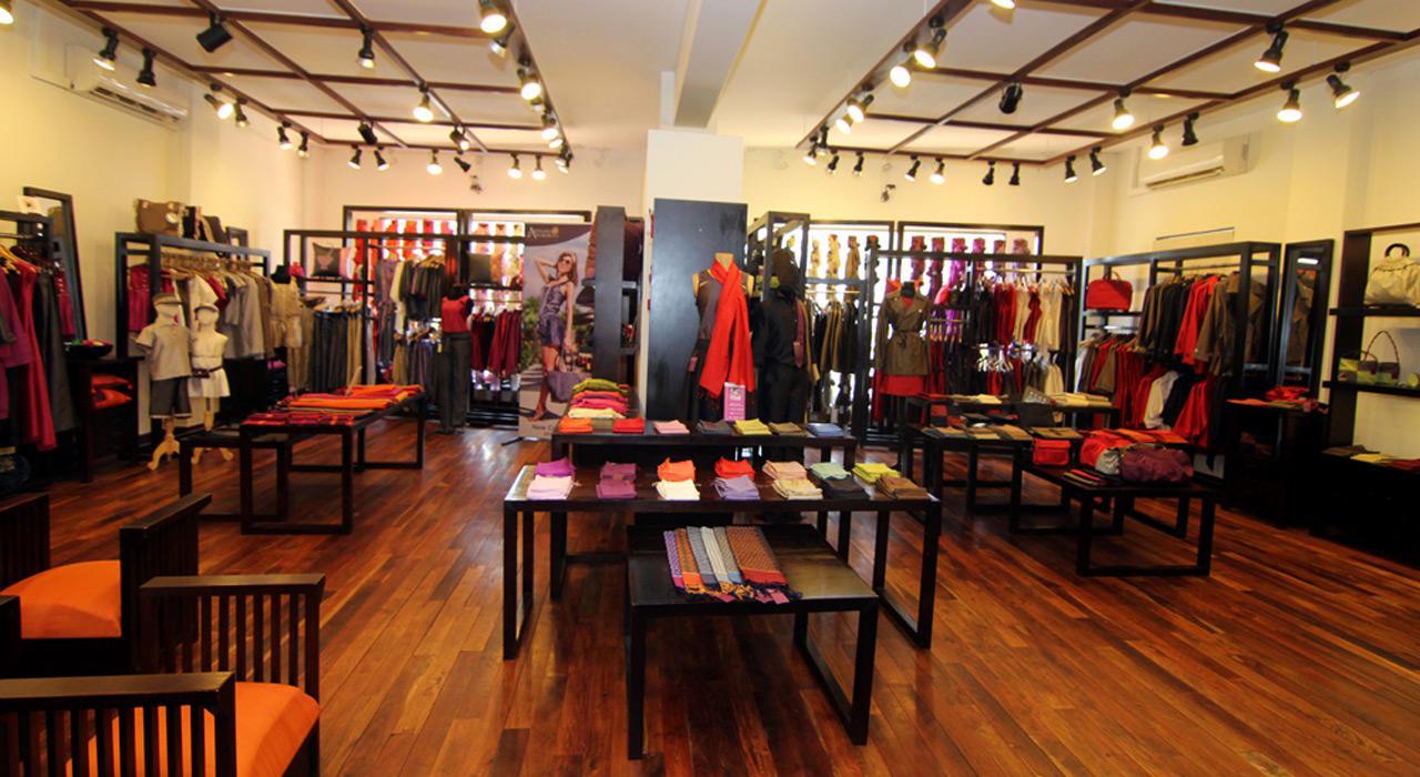 Buy Cambodian handicrafts in Artisans d'Angkor