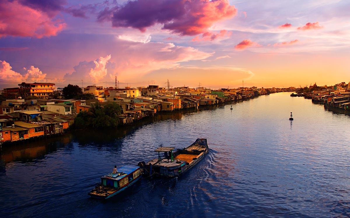 Cruise the Mekong