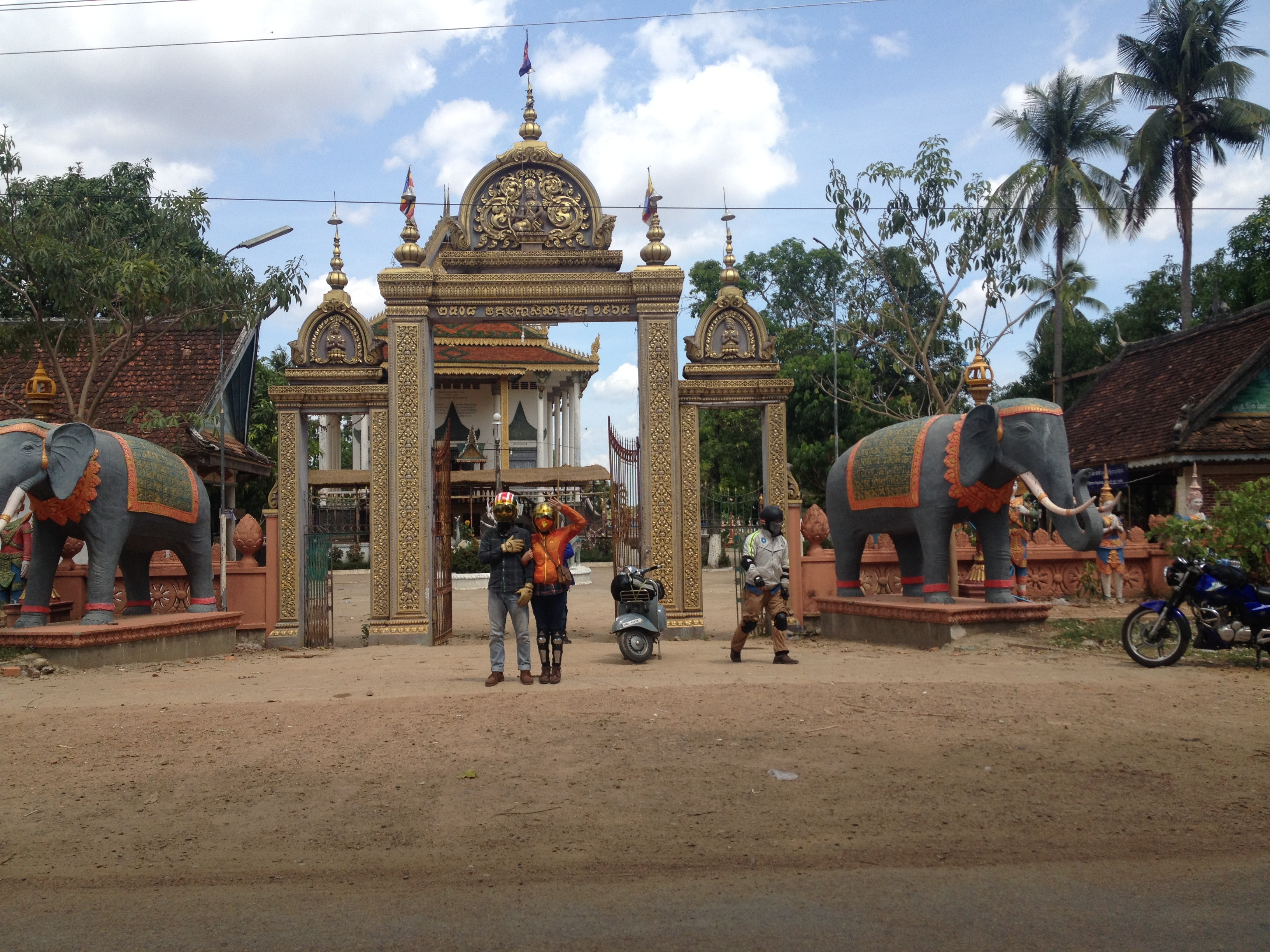Driving bike to Cambodia, backpackers will be excited with peaceful atmosphere there