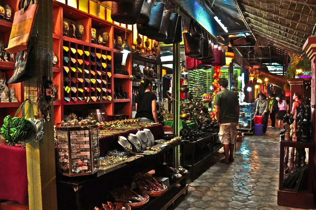 Tourists are looking for souvenirs in Angkor Night Market