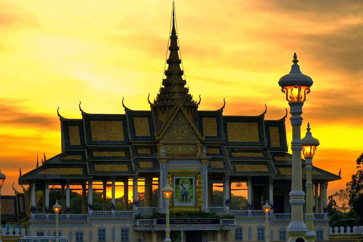 The beauty of Golden Pagoda in Cambodia