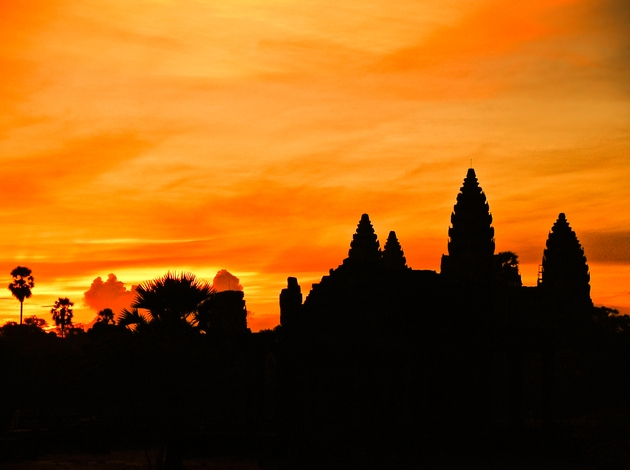Hues of Gold at Angkor Wat