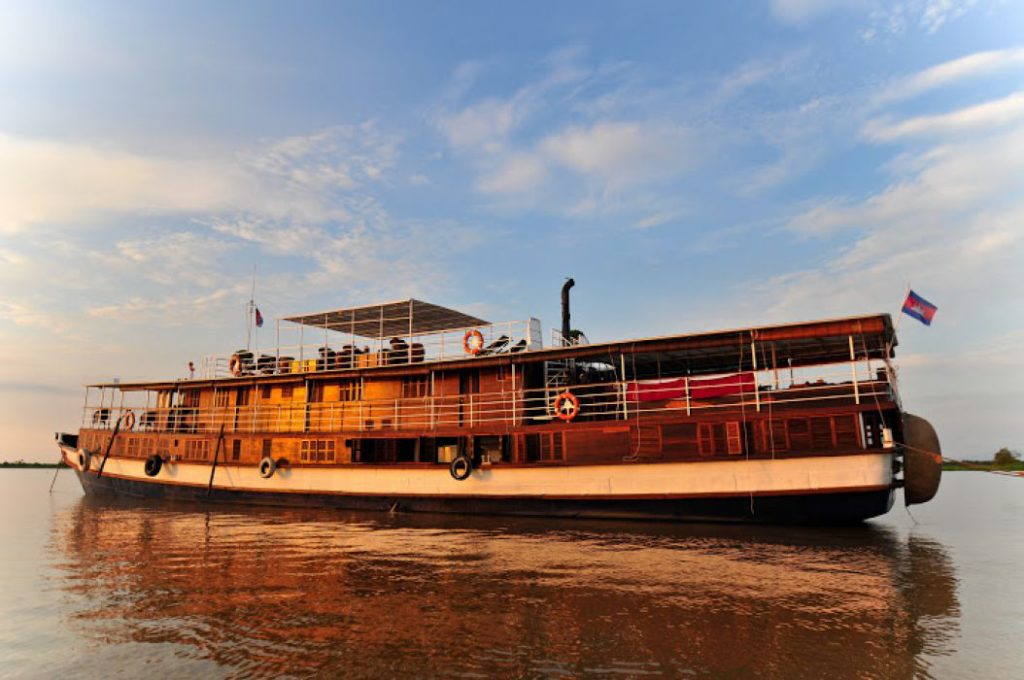 Toum Tiou - the first Luxury river cruise lines on the Mekong River