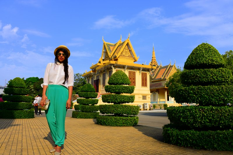 What to wear in Southeast Asia temples