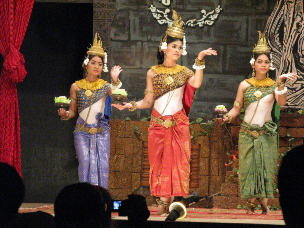 Performances in Sampot Tep Apsara